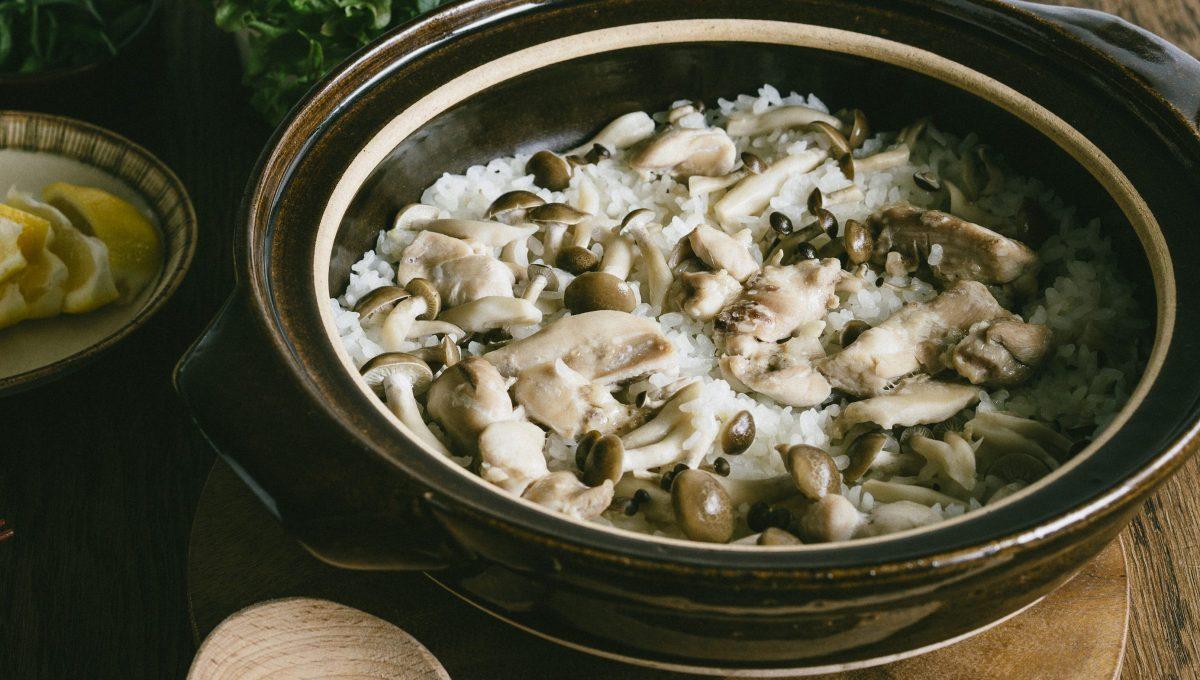 |電鍋煮飯享受不到的情趣!|#生菜捲菇菇雞肉炊飯