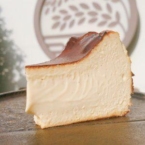 Basque Cheesecake 巴斯克起司蛋糕